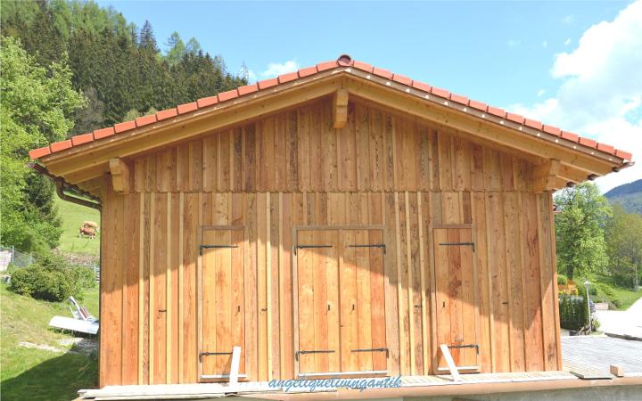 Holzriegelbau mit fertiger Fassade