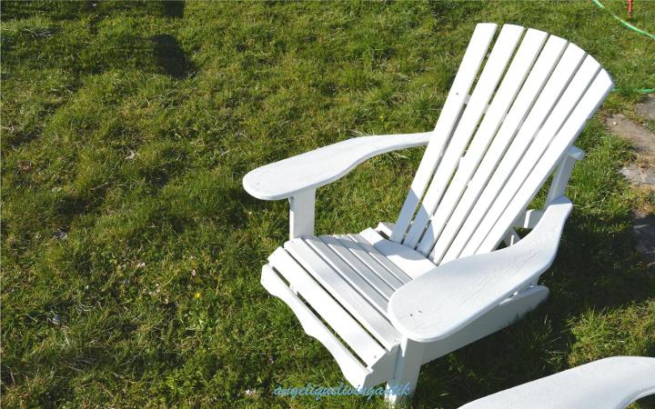 angeliquelivingantik Adirondack Chair weiß mit Leinölfarbe gestrichen